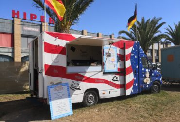 Privat: Foodtruck Mercedes Benz 308 CDI