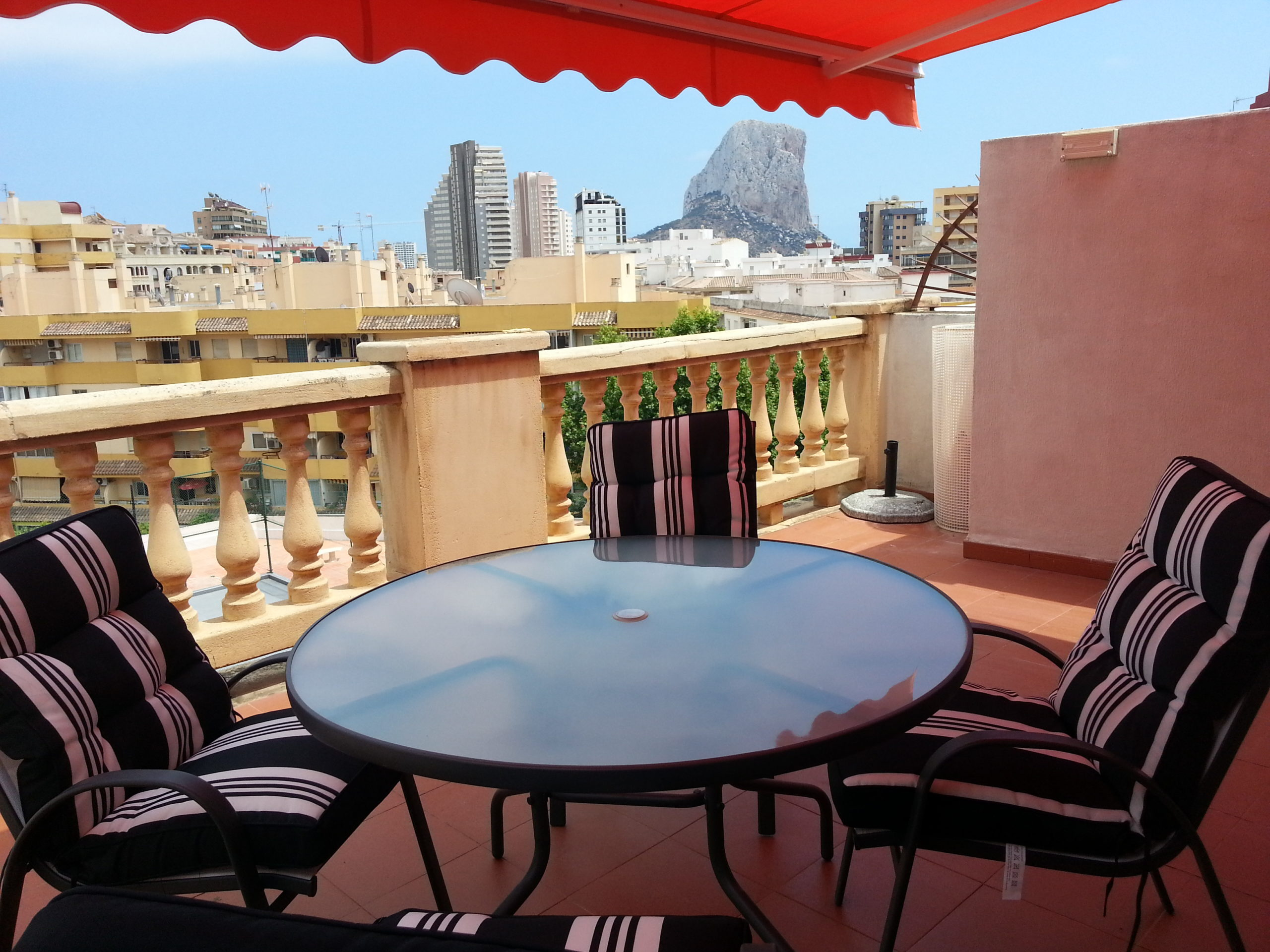 Ferienapartment mit Terrasse in Calpe, Strand 150 m